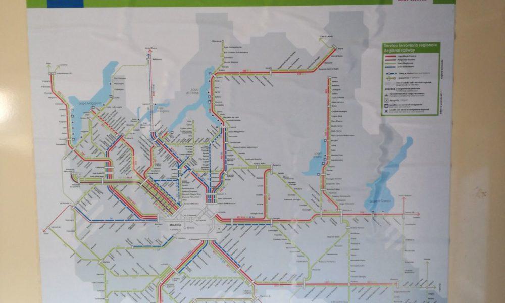 Cartina Puglia Del Sud.La Cartina Della Lombardia E Non Della Puglia Su Un Treno Della Sud Est Salentolive24 In Diretta Dal Salento