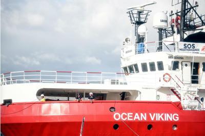 Arrivata a Taranto la Ocean Viking con 403 migranti